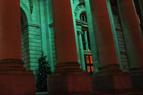 Christmas tree outside the Bank of England