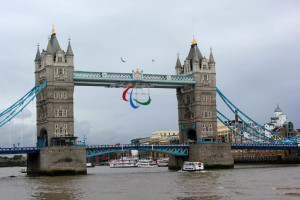 paralympics - tower-bridge - agitos
